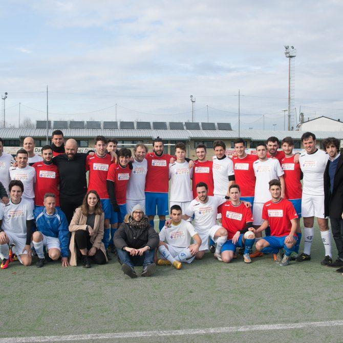 Partita di calcio millenials con Luca Lotti