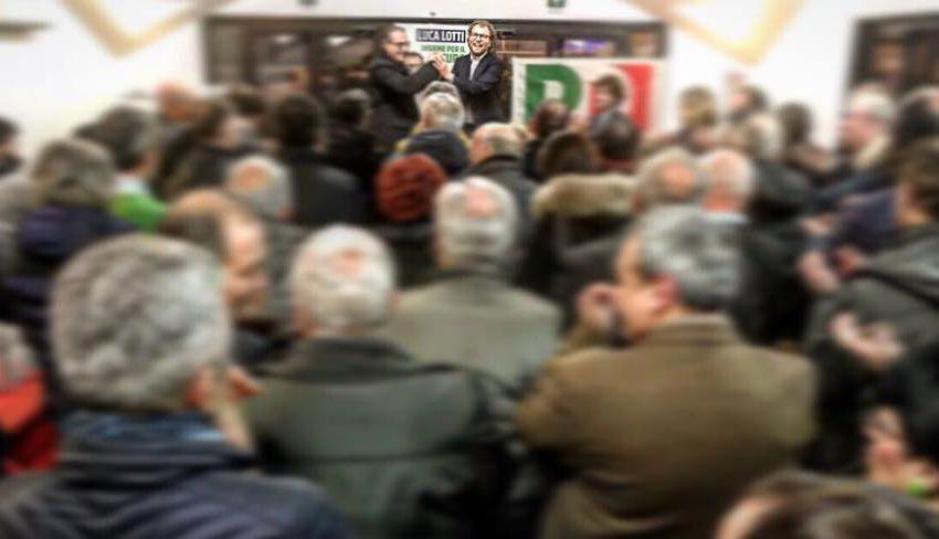 Luca Lotti con i sostenitori