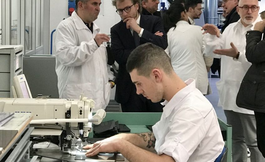 Luca Lotti - Azienda di pelletteria Yobel